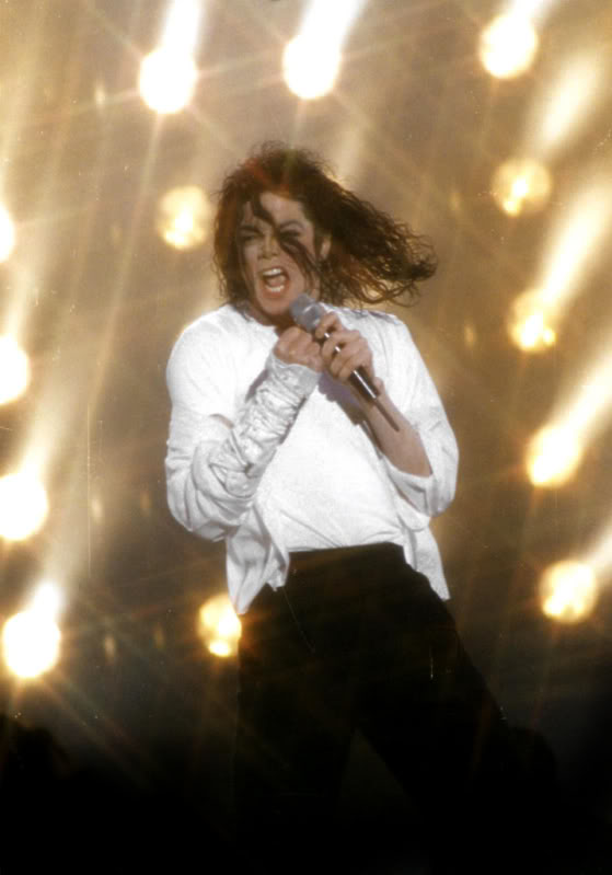 Dangerous World Tour Onstage- Latest Additions 051-3-1