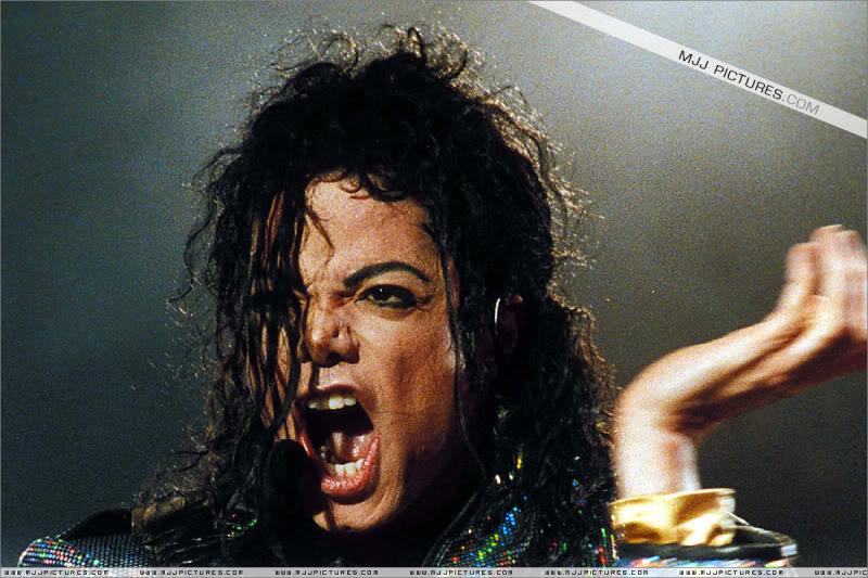 Dangerous World Tour Onstage- Jam 056-4
