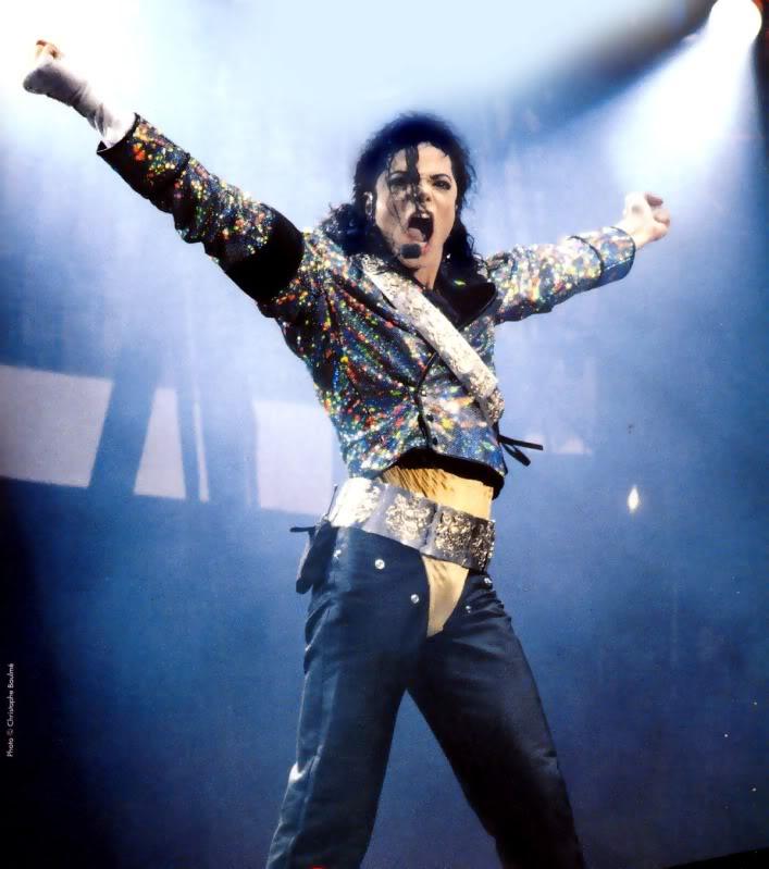 Dangerous World Tour Onstage- Jam 063-6