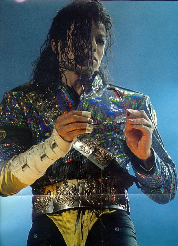 Dangerous World Tour Onstage- Jam 065-5