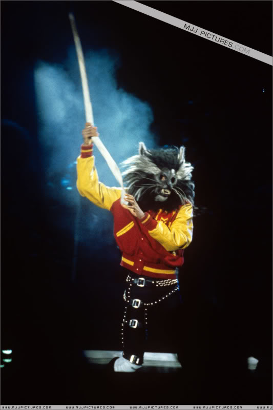 Bad World Tour Onstage- Various - Page 3 0982