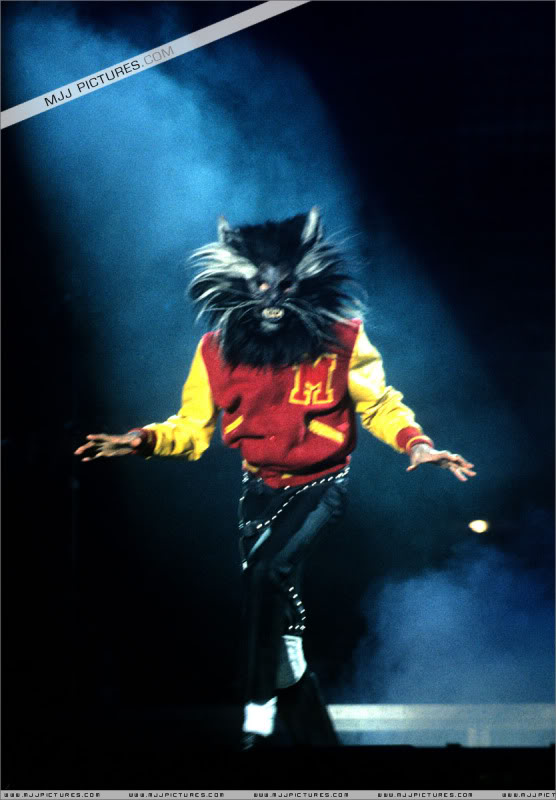 Bad World Tour Onstage- Various - Page 3 0992