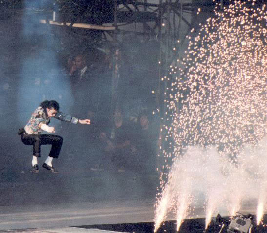 Dangerous World Tour Onstage- Jam 103-2