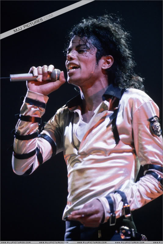 Bad World Tour Onstage- Various 112-1
