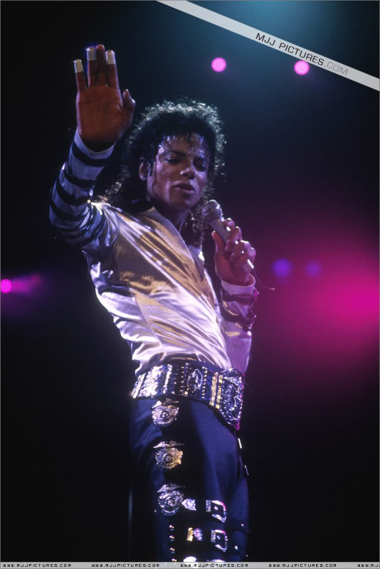Bad World Tour Onstage- Various 114-1