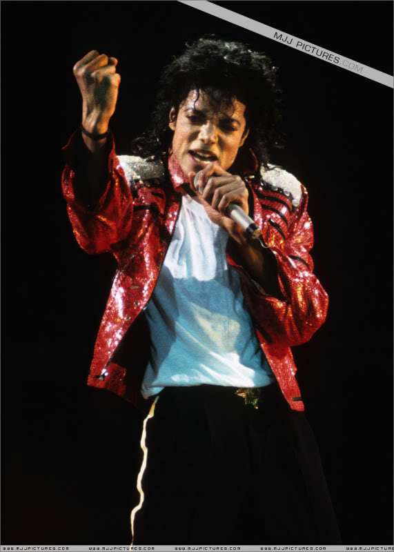 Bad World Tour Onstage- Various - Page 3 1192