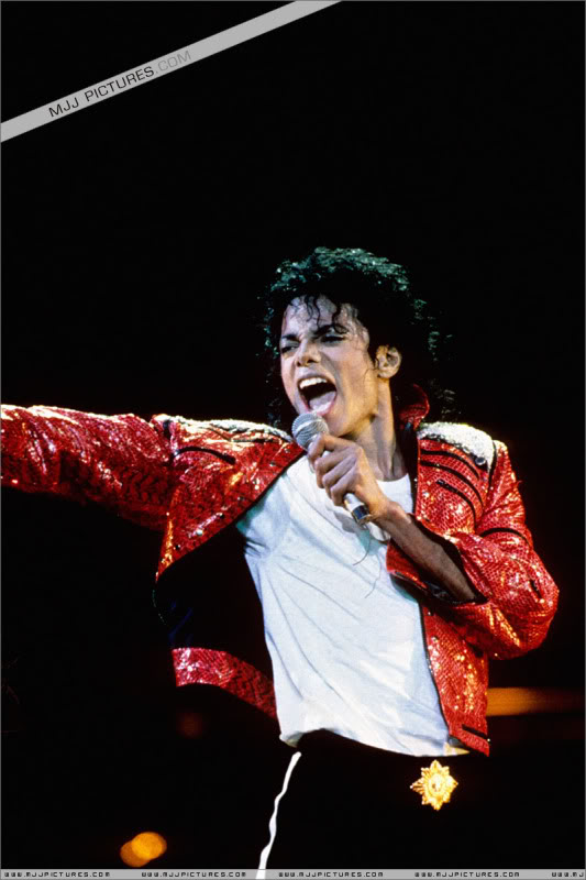 Bad World Tour Onstage- Various - Page 3 1262