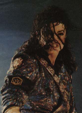 Dangerous World Tour Onstage- Jam 131-2
