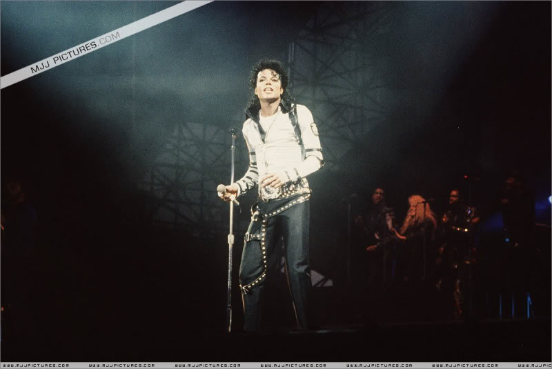 Bad World Tour Onstage- Various 133-1
