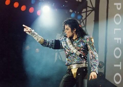 Dangerous World Tour Onstage- Jam 134-2