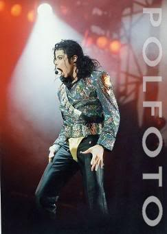 Dangerous World Tour Onstage- Jam 135-2