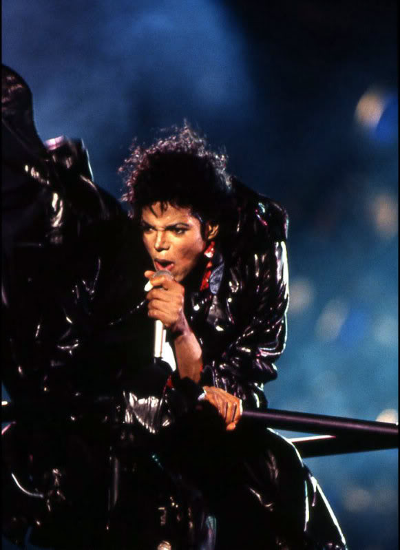 Bad World Tour Onstage- Various - Page 3 1392