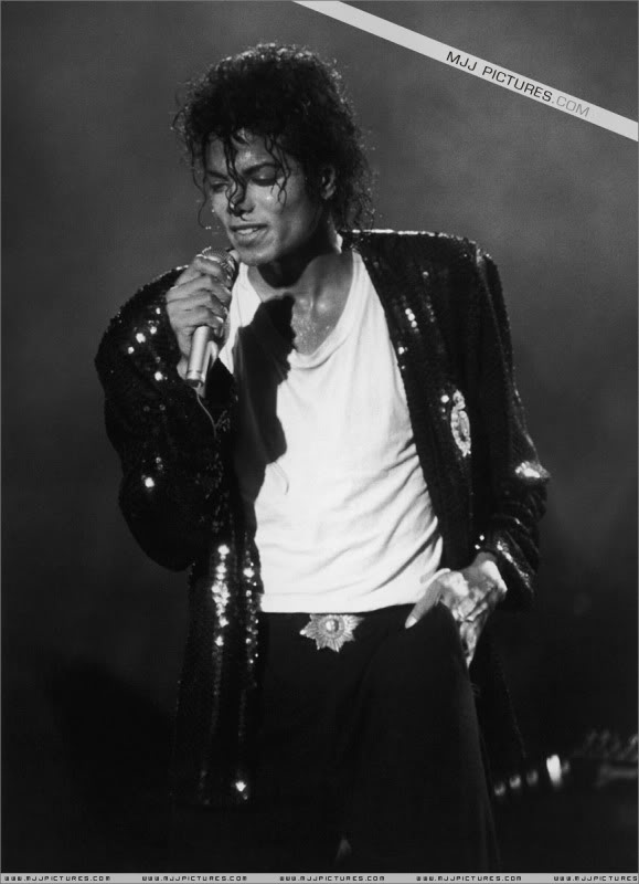 Bad World Tour Onstage- Various - Page 3 1452