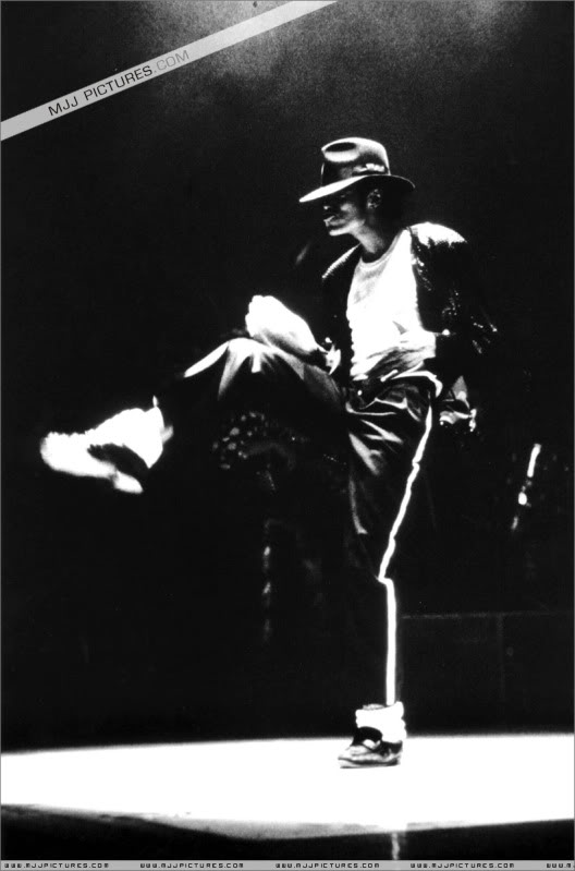 Bad World Tour Onstage- Various - Page 3 1472