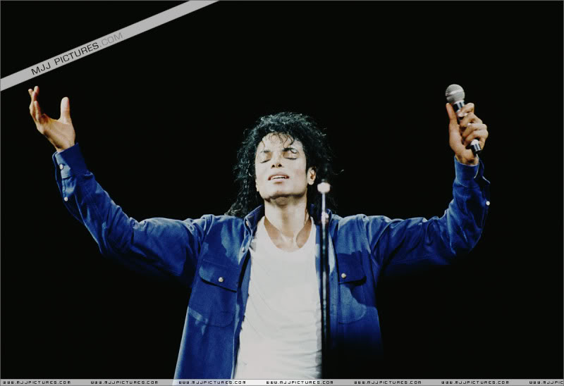Bad World Tour Onstage- Various - Page 3 1812