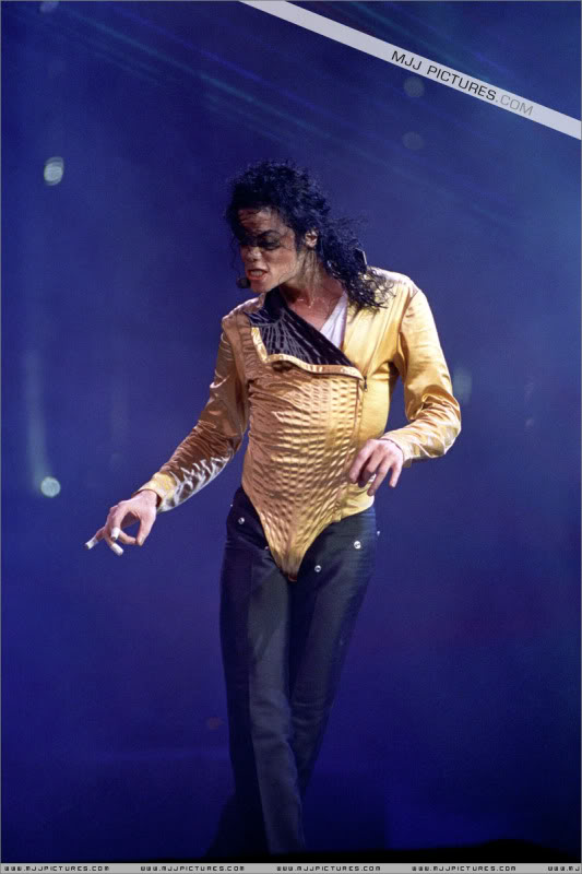 Dangerous World Tour Onstage- Latest Additions 209-2