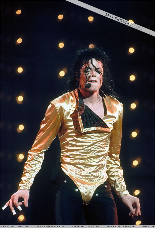 Dangerous World Tour Onstage- Latest Additions 211-2