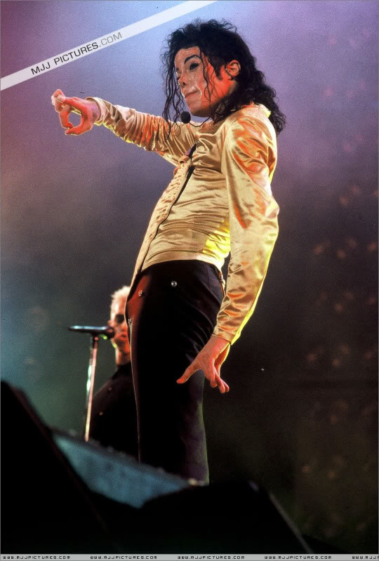 Dangerous World Tour Onstage- Latest Additions 212-2