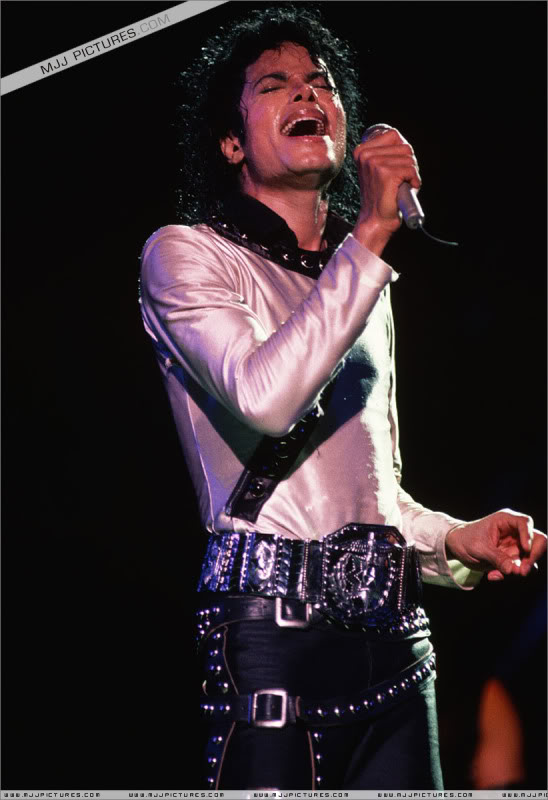 Bad World Tour Onstage- Various 226-1