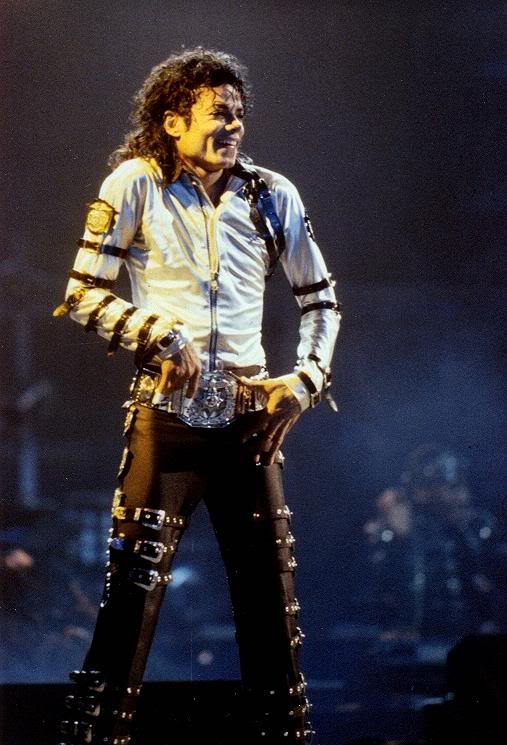 Bad World Tour Onstage- Various - Page 2 254