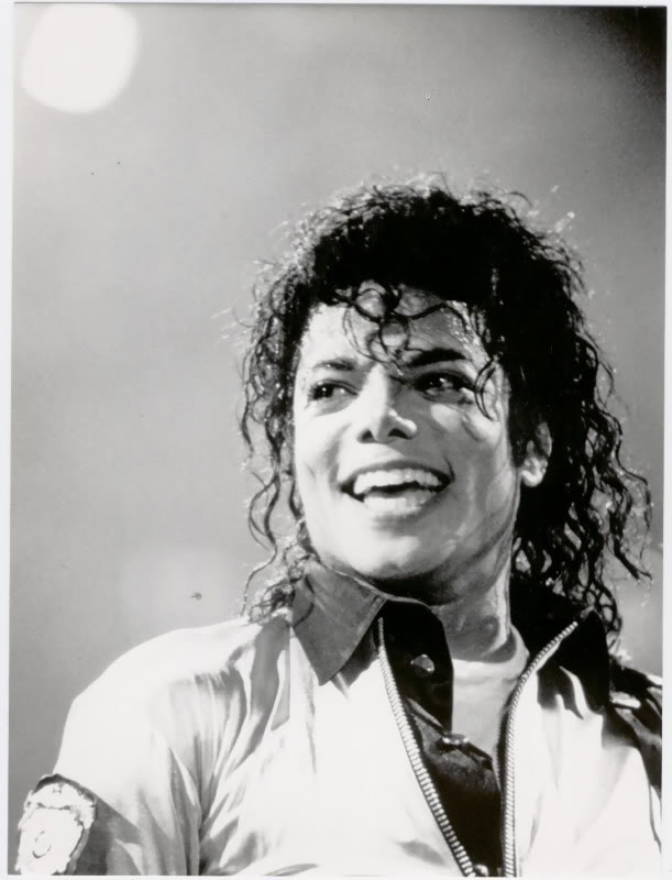 Bad World Tour Onstage- Various - Page 2 257