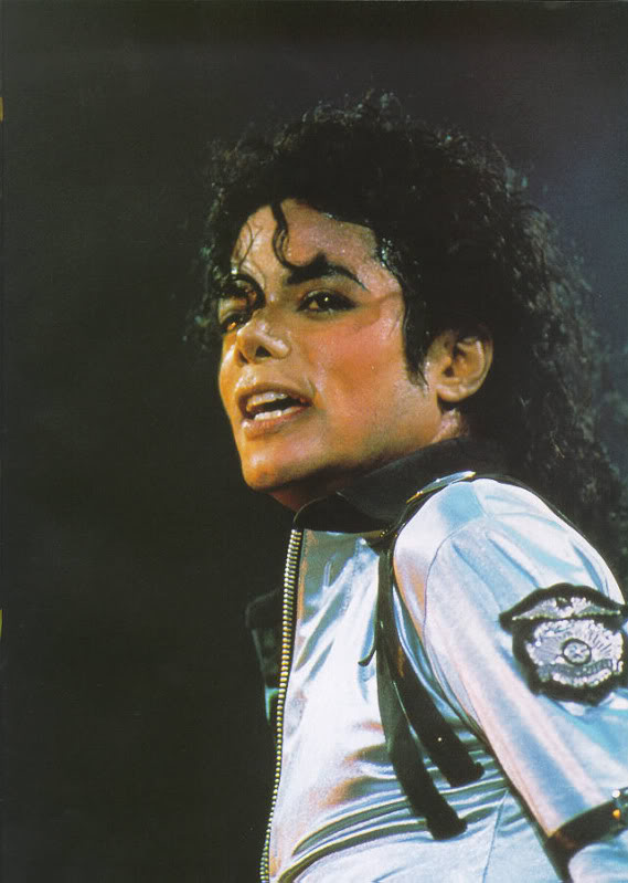 Bad World Tour Onstage- Various - Page 2 260