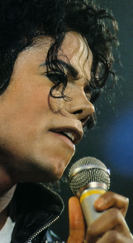 Bad World Tour Onstage- Various - Page 2 261