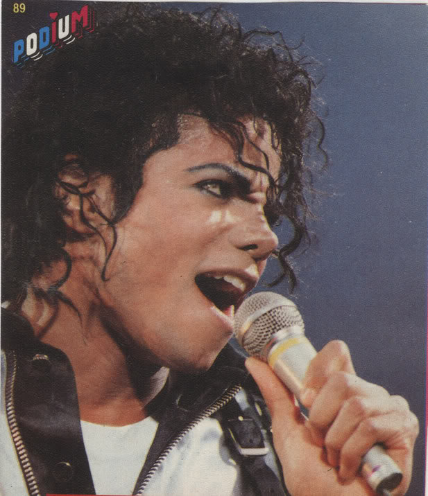 Bad World Tour Onstage- Various - Page 2 262