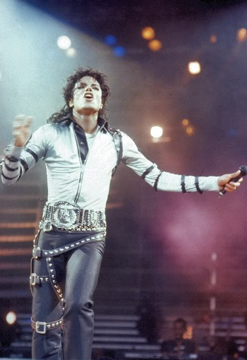Bad World Tour Onstage- Various - Page 2 264