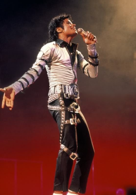 Bad World Tour Onstage- Various - Page 2 266