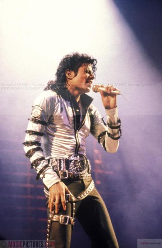 Bad World Tour Onstage- Various - Page 2 268