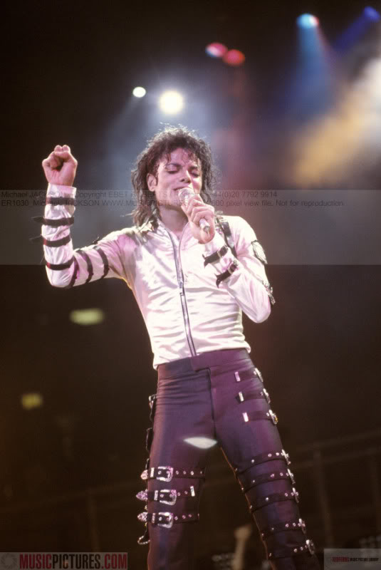 Bad World Tour Onstage- Various - Page 2 269