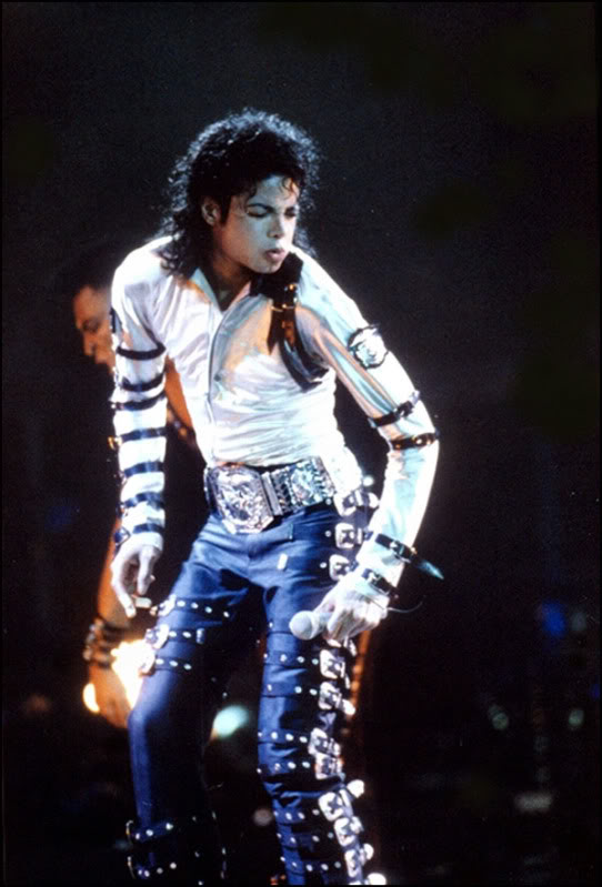 Bad World Tour Onstage- Various - Page 2 278