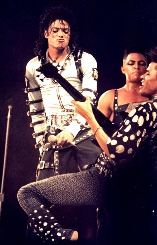Bad World Tour Onstage- Various - Page 2 285