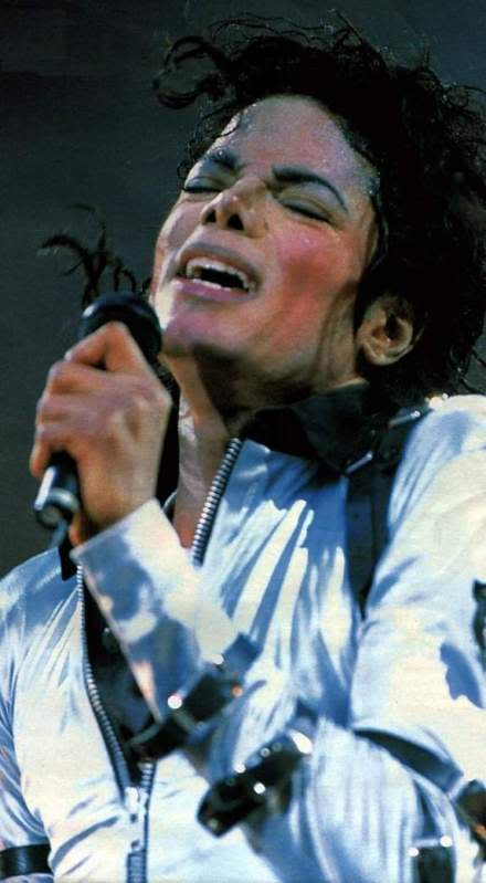 Bad World Tour Onstage- Various - Page 2 287