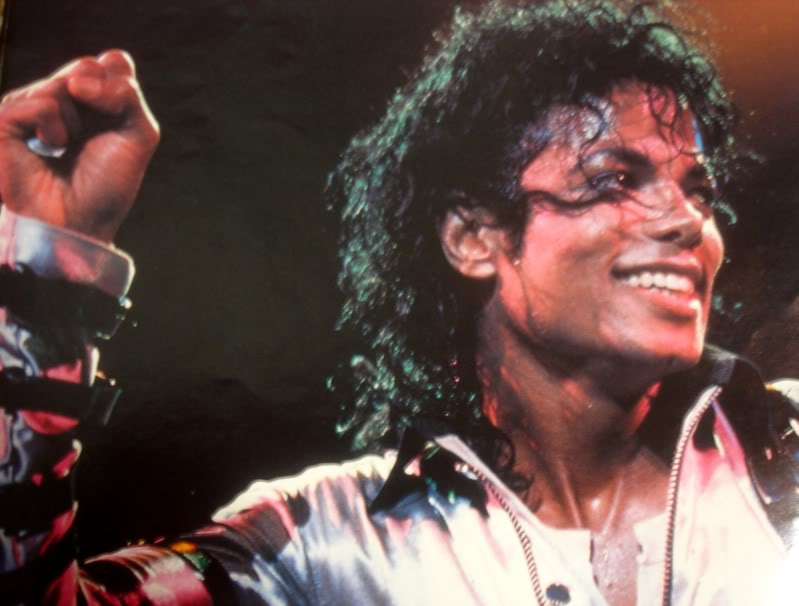 Bad World Tour Onstage- Various - Page 2 290