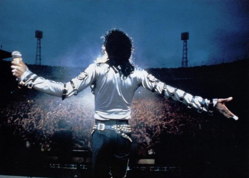Bad World Tour Onstage- Various - Page 2 291