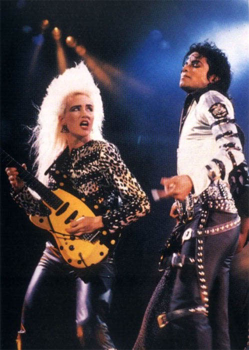 Bad World Tour Onstage- Various - Page 2 296