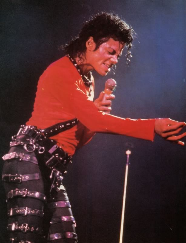 Bad World Tour Onstage- Various - Page 2 300