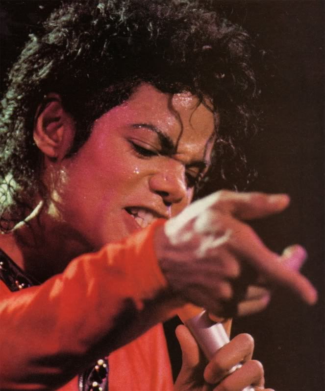 Bad World Tour Onstage- Various - Page 2 302