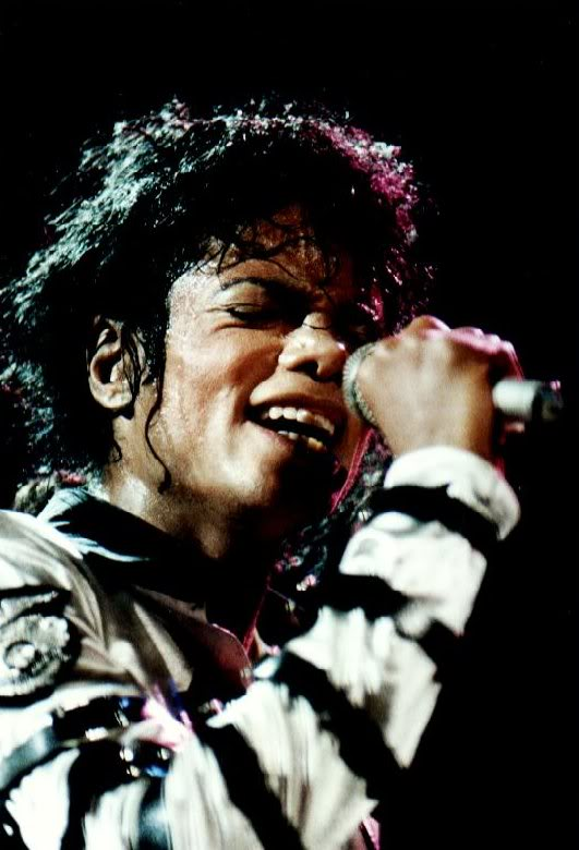 Bad World Tour Onstage- Various - Page 2 309