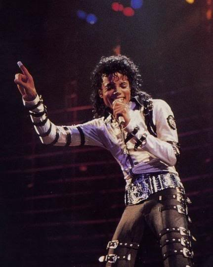 Bad World Tour Onstage- Various - Page 2 311