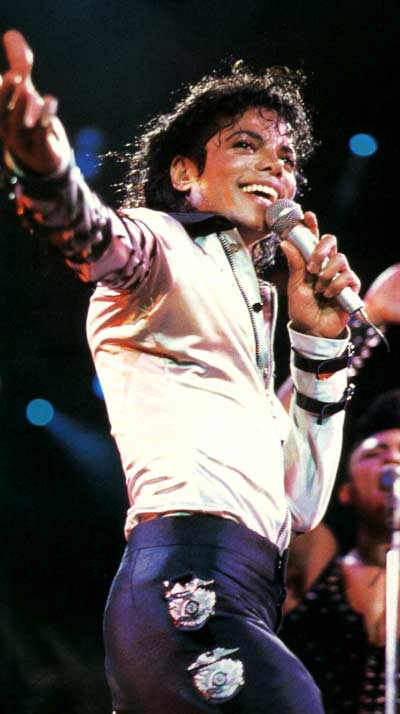 Bad World Tour Onstage- Various - Page 2 313