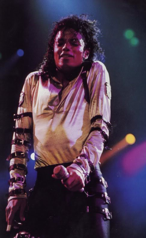 Bad World Tour Onstage- Various - Page 2 315