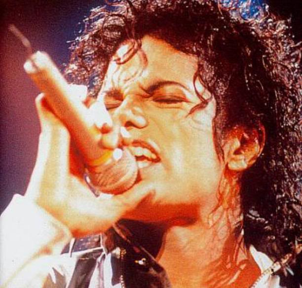 Bad World Tour Onstage- Various - Page 2 330