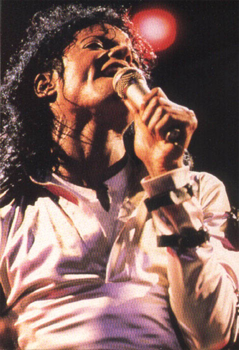 Bad World Tour Onstage- Various - Page 2 331