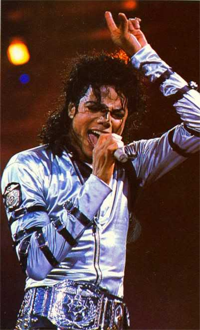 Bad World Tour Onstage- Various - Page 2 333