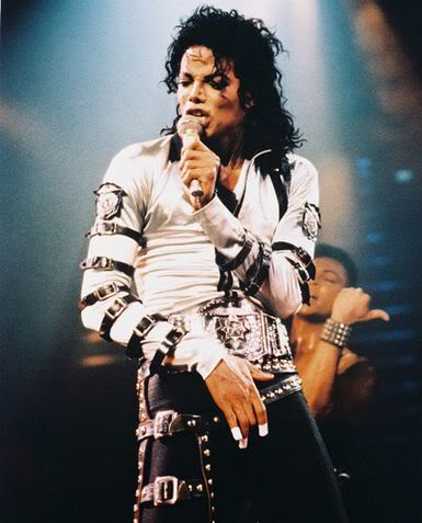 Bad World Tour Onstage- Various - Page 2 335
