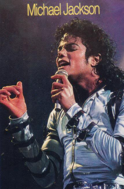 Bad World Tour Onstage- Various - Page 2 339