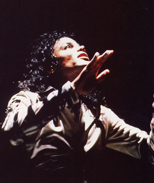 Bad World Tour Onstage- Various - Page 2 348